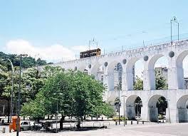 http://tbn2.google.com/images?q=tbn:GF1q9ur4rlo3CM:http://www.caminandosinrumbo.com/brasil/rio/rio4e.jpg