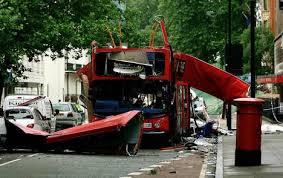 Un homme est poursuivi par les autorités britanniques pour avoir envoyé des DVD sur les attentats de Londres thumbnail