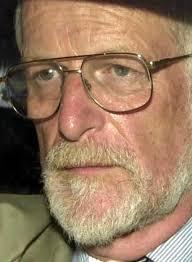 Des médecins exigent une enquête criminelle sur la mort du docteur Kelly thumbnail