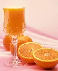 برتقال 3 أكواب عصير أناناس. 2 كوب عصير توت بري.