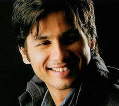 http://tbn2.google.com/images?q=tbn:YA6-8GoUyPh9EM:http://www.topnews.in/files/Shahid-Kapoor.jpg