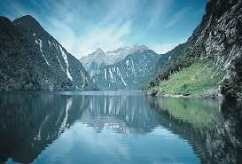 http://tbn2.google.com/images?q=tbn:gdhi2LqyZag9GM:http://upload.wikimedia.org/wikipedia/commons/0/0b/DoubtfulSound-Fjord.jpg