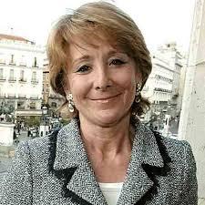 """La presidenta de la Comunidad de Madrid, Esperanza Aguirre, ha presentado en un acto al candidato del PP a las elecciones del País Vasco, Antonio Basagoiti. Aguirre ha vuelto a ser preguntada por el caso de espionaje en la Comunidad de Madrid, a lo que la dirigente popular ha contestado que """"en Madrid no hay espías""""."""