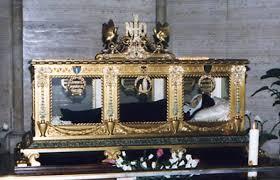 Corps resté intact de Ste Bernadette, Châsse de verre et de bronze, Chapelle de Nevers